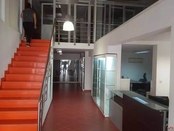 LOCAL COMMERCIAL 360 m2 DARB OMAR A LA VENTE