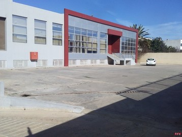 Usine industrielle aux normes internationales  de 4000 m2 a  sidi maarouf a la location